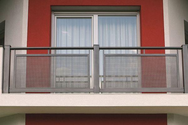 csm-guardi-loskana-balkon-grau-6-24f48455b982760FEC-2B84-809C-C327-7744BD604073.jpg